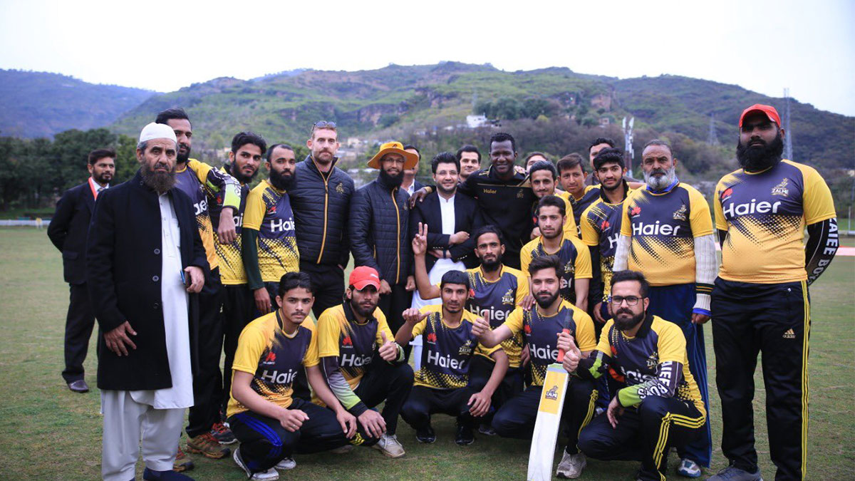Javed Afridi, Hashim Amla and Darren Sammy Met Madras students under Zalmi Foundation
